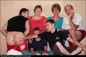 Funny Pics Nice Family Photo