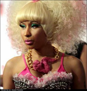 Nicki Minaj Chicken Wing Chain FAIL