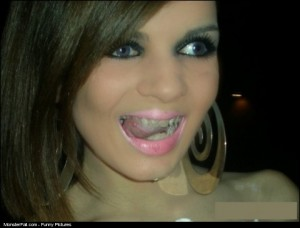 Monster FAIL Nice Makeup Babe But Better Brush Dem Teeth