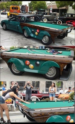 Rolling billiards table