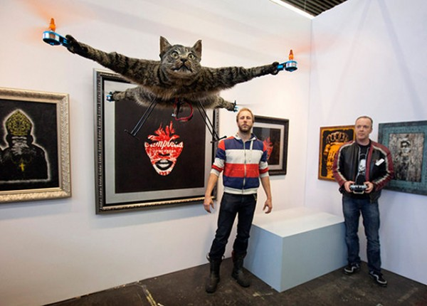 Weirdo Turns His Taxidermied Cat Into A Quadrocopter